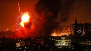 """عنوان """"غارات تقتل امرأة حامل وطفلتها"""" تُغضب """"إسرائيل"""" من الـ(BBC)"""