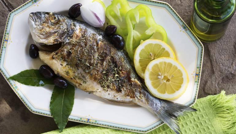 تناول الأسماك قد يقلل خطر الإصابة بسرطان الأمعاء