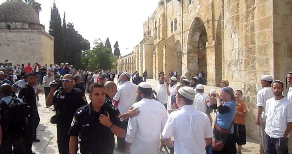 تحركات كبيرة للمستوطنين قرب الحرم الإبراهيمي