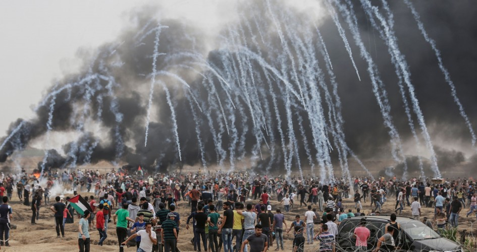 """""""هآرتس"""": تجميد الأموال الفلسطينية قد يؤدي لتصعيد بغزة"""