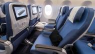 هل تساءلت يوماً لماذا ألوان المقاعد في الطائرة باللون الأزرق ؟