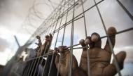 540 أسير فلسطيني يعانى من مشاكل العيون في السجون الإسرائيلية