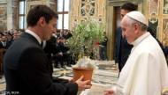 """البابا: لا يجوز لعشاق ميسي """"تدنيس المقدسات"""""""