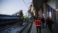 مقتل وإصابة 47 شخصا في حادث قطار بتركيا (شاهد)