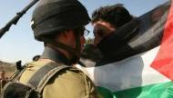 صحيفة عبرية: الفلسطينيون والإسرائيليون وصلوا إلى نقطة اللاعودة