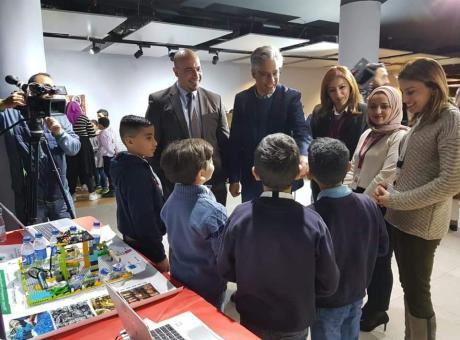 مؤسسة فيصل الحسيني تنظم مسابقات تطبيقات الروبوت بمشاركة 14 مدرسة مقدسية بدعم من الاتحاد الاوروبي وبمساهمة من بنك فلسطين