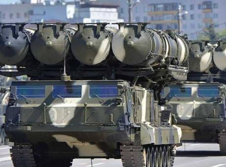 نتنياهو لبوتين: صواريخ اس 300 لسوريا ستزيد المخاطر