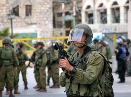 الاحتلال يصيب شابا بالرصاص قرب حاجز بيت سيرا برام الله