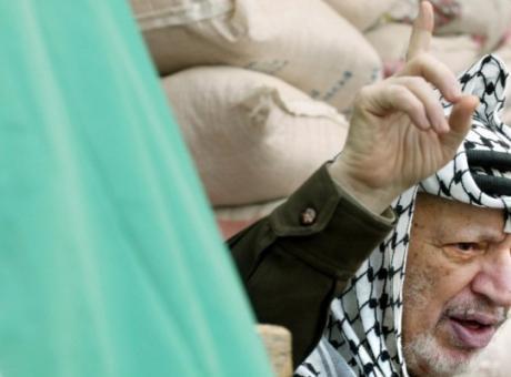 أبو شريف يكشف كيف تم دسّ السم لياسر عرفات (شاهد)