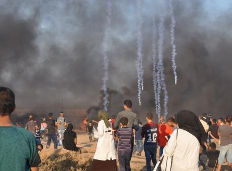 في الجمعة الـ48 قوات الاحتلال تستهدف المتظاهرين على طول السياج الزائل شرق قطاع غزة