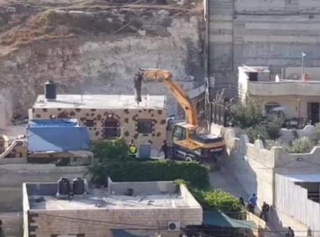 الاحتلال يشرع بهدم وتشريد سكان حي وادي ياصول بسلوان