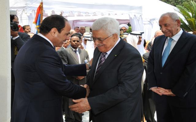 عباس يلتقي السيسي في القاهرة غداً