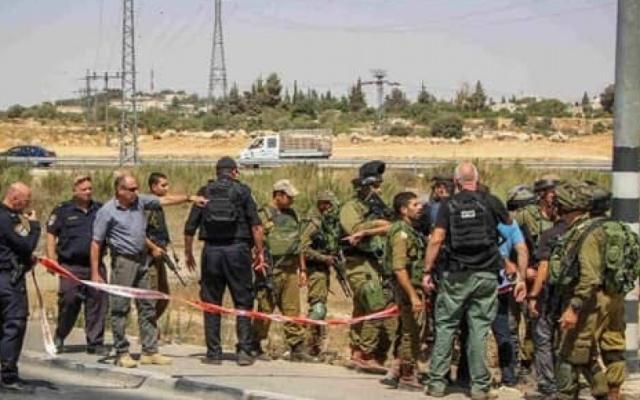 """الإعلام العبري: المستوطن المصاب بعملية """"عتصيون"""" حالته حرجة جدًا"""