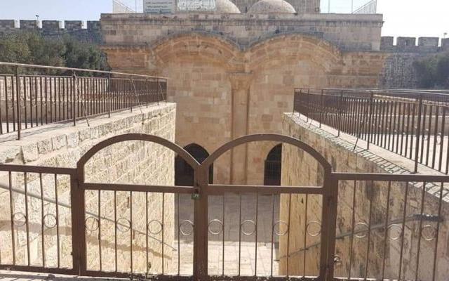 الأوقاف تعمل على ترميم مصلى باب الرحمة لفتحه امام المصلين