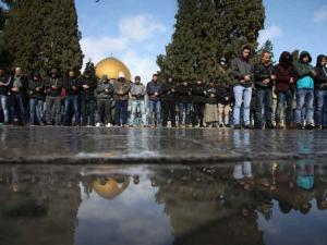 20 ألف فلسطيني يؤدون صلاة الجمعة في المسجد الأقصى