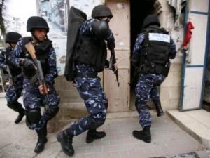 القبض على مطلوب بقضايا نصب قيمتها 1.5 مليون شيكل