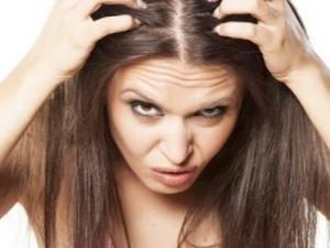 موقع أمريكي: إليك 5 حلول منزلية لإزالة الصبغة من الشعر