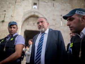 ليبرمان يدعو الرؤساء العرب لزيارة القدس
