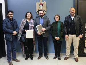 """الثقافة وجمعية عطاء فلسطين توقعان اتفاقية لدعم المشروع الثقافي"""" أنا الراوي"""""""