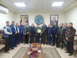 """جمعية رجال الاعمال تكرم """"هنية"""" على دوره في دعم وتطوير الرياضة الفلسطينية"""