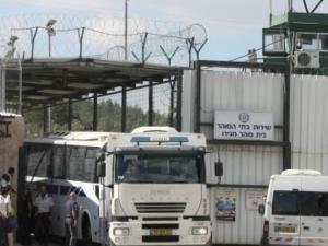"""الاحتلال يرفض إدخال الأغطية الشتوية لأسرى سجن """"ايشل"""""""