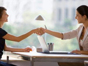 6 حركات جسدية تضمن لك الحصول على وظيفة!