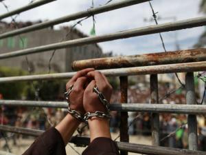 الاحتلال يصدر (48) أمر اعتقال إداري بحقّ أسرى