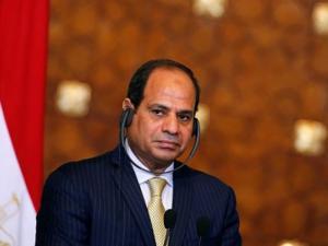 لماذا فتح السيسي قواعد مصر العسكرية ومجالها الجوي ؟