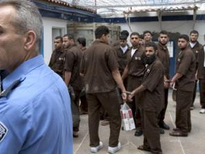 الأسرى في سجون الاحتلال يرحبون بالمصالحة