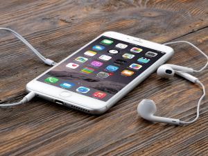 """تطور غير مسبوق على هواتف """"أبل"""""""