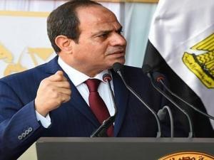 لماذا منع الرئيس السيسي ضابطاً من استكمال كلامه؟ (شاهد)