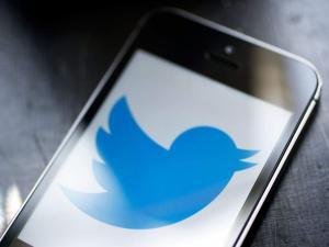 """""""تويتر"""" توقف توثيق الحسابات حتى إشعار آخر.. لهذا السبب"""