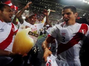 بيرو تهزم نيوزيلندا في ليما وتكمل عقد المتأهلين لكأس العالم