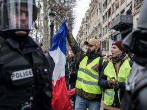 """باريس: استنفار قبيل مظاهرات """"السترات الصفراء"""""""