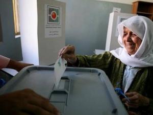 حنا ناصر يؤكد جهوزية اللجنة لإجراء الانتخابات