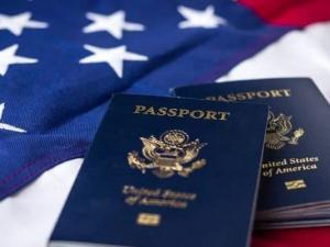 رئيس عربي يعلن تخليه عن الجنسية الأمريكية بشكل طوعي لهذا السبب!