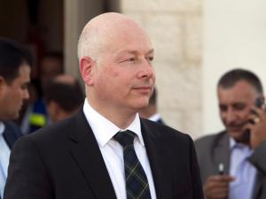 صحيفة عبرية تصف غرينبلات بأنه أفشل وسيط أمريكي لعملية السلام