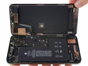 قناة إلكترونية تكشف بالفيديو عن خفايا آيفون 11 الداخلية