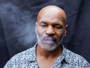 تايسون يدخن 10 أطنان من الماريغوانا شهريا