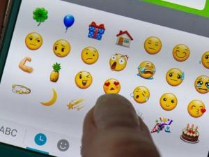 الرسوم والوجوه التعبيرية على وسائل التواصل الاجتماعي.. هل تعبر عن المشاعر أفضل من الكلمات؟