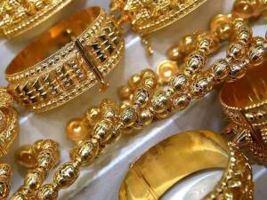 الذهب يسجل أعلى مستوى في أكثر من 6 أشهر