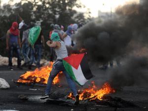 31 إصابة في غزة و24 في الضفة بالرصاص الحي  اشتعال الضفة والقطاع مع الاحتلال نصرة للقدس ورفضاً للقرار الأمريكي 02:0