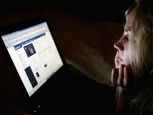 """هل يُسبّب """"الفيسبوك"""" الاكتئاب؟"""
