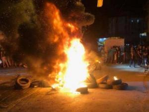 """""""غضب"""" فلسطيني في مخيمات لبنان بسبب قرار لوزارة العمل"""