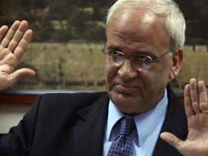 """""""قد يغضب مني الرئيس لما سأقوله"""".. عريقات: ليبرمان هو الرئيس الفلسطيني والسلطة ستختفي قريباً"""