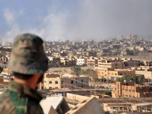 ارتفاع حصيلة قصف التحالف على دير الزور لأكثر من 50 قتيلا