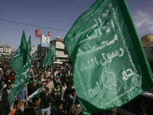 تقديرات إسرائيلية: حماس ذاهبة لتهدئة بغزة وتصعيد بالضفة