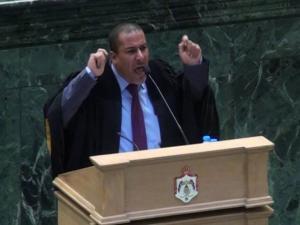 """سابقة أردنية خطيرة.. نائب يتطاول على""""الملكة"""" ويحال للتحقيق ويواجه عقوبة """"الفصل"""" ـ (فيديو)"""