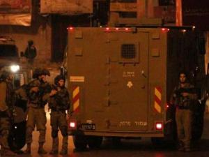 حملة مداهمات واعتقالات طالت 16 مواطناً