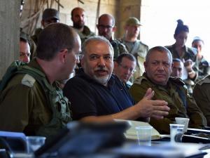 ليبرمان: سنضرب حماس حتى لو وقعت حرب شاملة